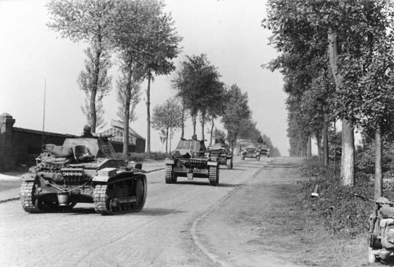 Breaking Point Ardennes - Zeitgeist Tours WW2 Battlefield Tour - Panzers